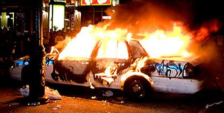 Habs-celebration-riot-09_medium