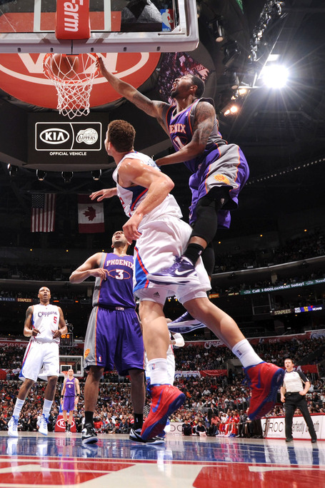 Markieff_morris_dunk_on_blake_griffin_medium