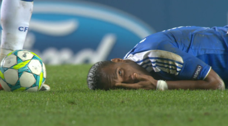 Drogba_peek-a-boo_medium