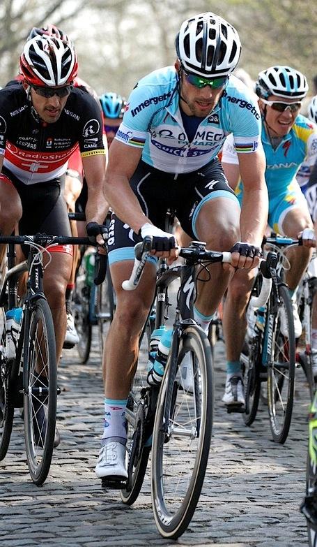 Boonen_watched_by_cancellara_medium