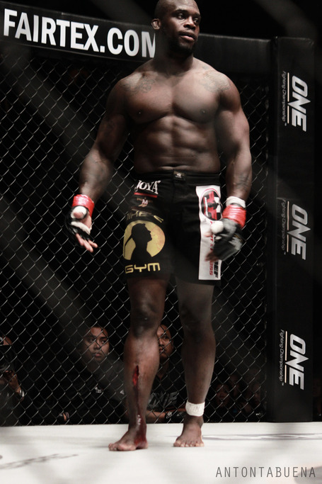 One_fc_manhoef_cut_3_medium