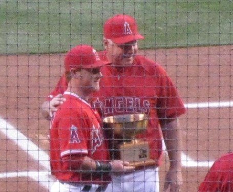 Kole-calhoun-mike-scioscia-fred-haney-memorial-award-2012-spring_medium