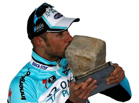 Kissing_the_stone_medium