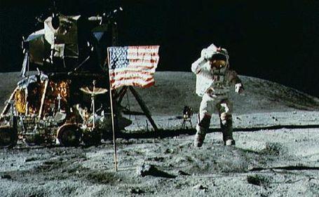 Apollo-11-moon-landing_medium