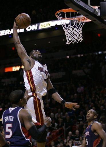 Wade_dunk_game_3_medium