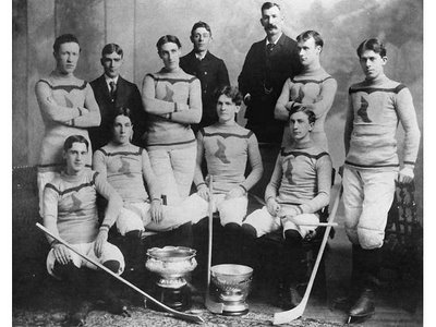 10_-_montreal_shamrocks_1898-99_medium