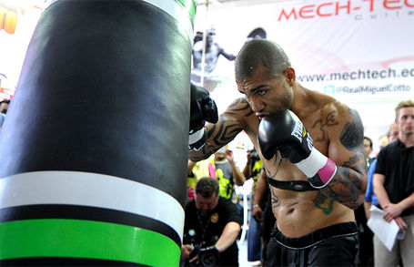 Cottoprepares4mayweather_hoganphotos_5__medium