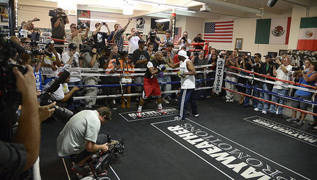Mayweatherprepares4cotto_hoganphotos_5__medium