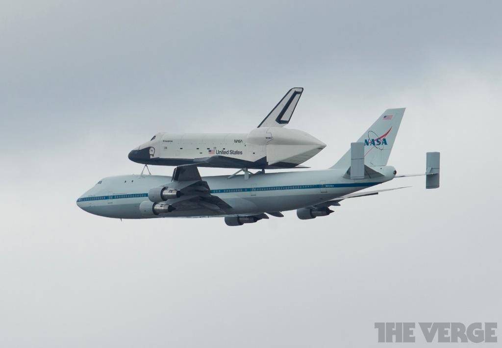 Shuttle-38-hero