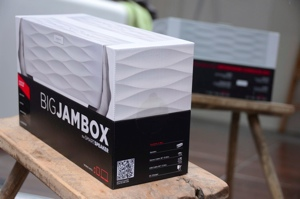 Big-jambox-jawbone-review-dsc_3842-verge-300