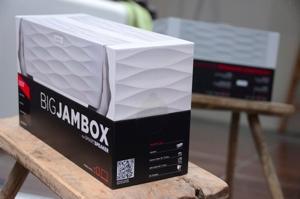 Big-jambox-jawbone-review-dsc_3842-verge-300