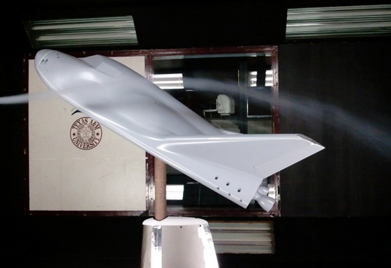 Dream-chaser-wind-tunnel-560