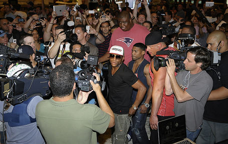 Mayweatherlvarrival4cotto_hoganphotos3_medium