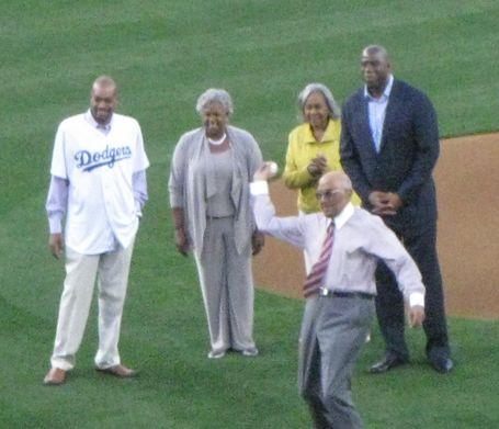 Don-newcombe-first-pitch-rachel-robinson-magic-johnson_medium