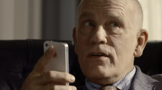 Johnmalkovich_iphone_siri_ad_640