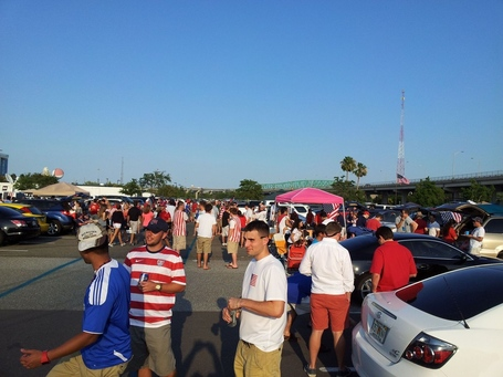 Jax_usmnt_tailgaing_medium