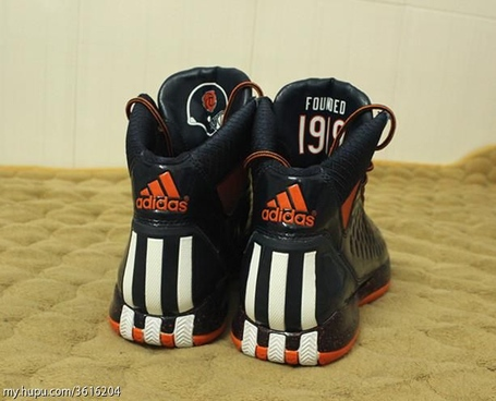 Derrick-rose-shoes-bears_medium