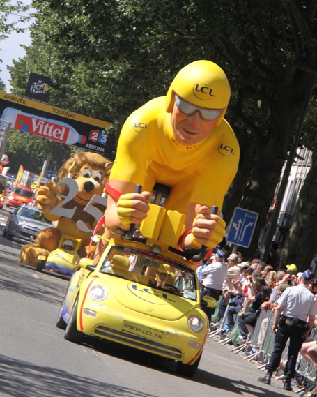Yellow_giant_medium