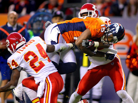 Kansas_city_chiefs_v_denver_broncos_601ckm_8sidl_medium