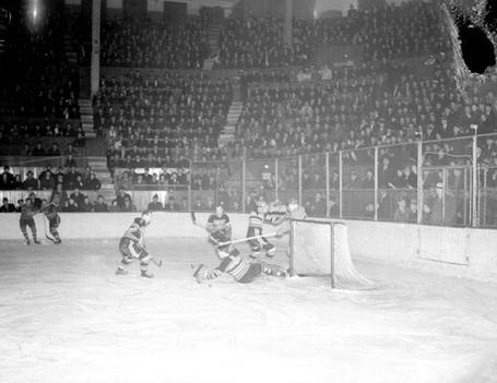 42_habs_hawks_march_22_1938_medium