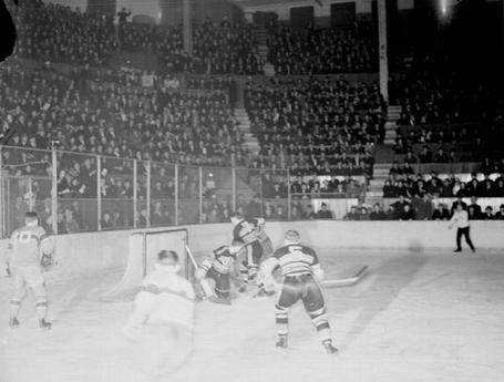 43_habs_hawks_march_22_1938_medium