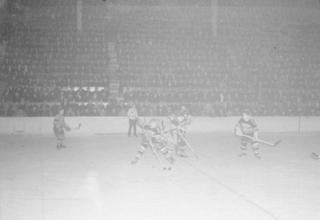 49_habs_hawks_march_26__1938_medium