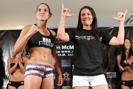 006_amanda_nunes_and_raquel_pa_aluhi_medium