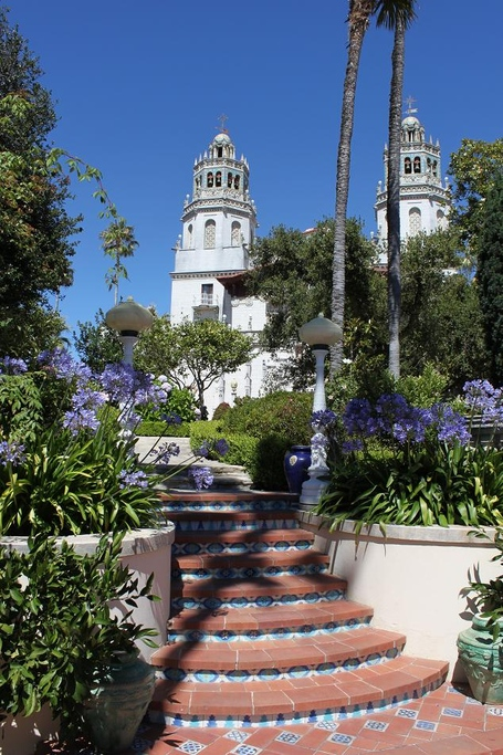 Hearst_castle_medium