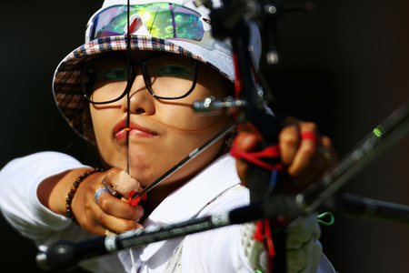Choi_hyeonju_-_korea_-_archery_medium