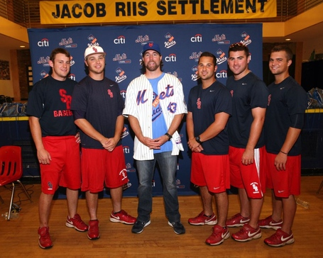 Image_3_-_ra_dickey_and_sb_baseball_team_medium