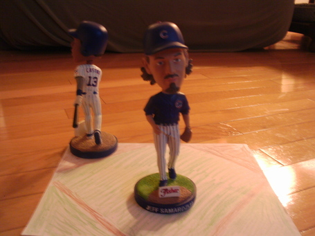 Starlin_castro_bobblehead_1_medium