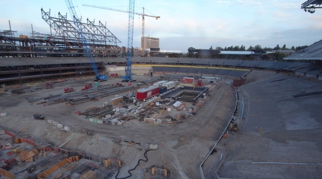 Husky_stadium_-_angle_2-20120826-063930_large