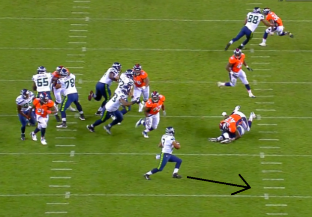 Broncos_-_pass_to_morrah__pressure__large