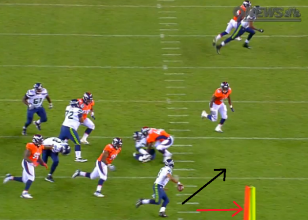 Broncos_-_pass_to_morrah__evasion__large