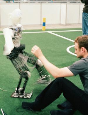 Robocup-kick-300