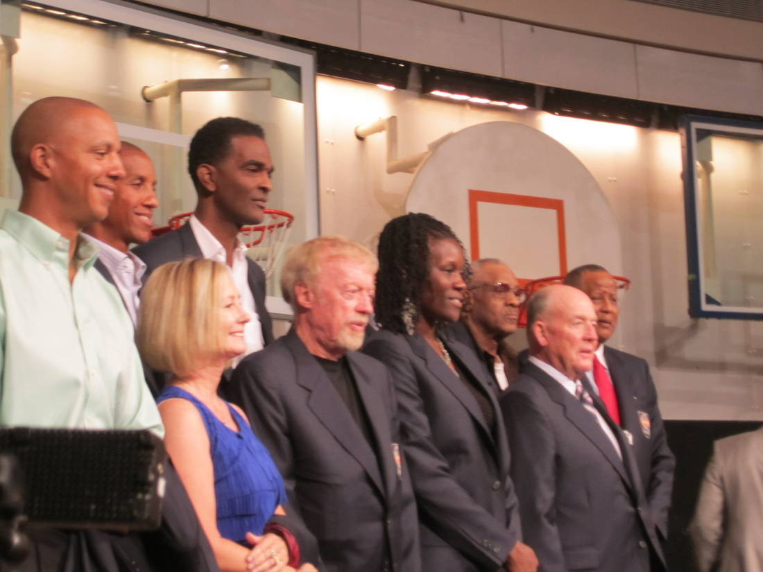 Basketball Hall Fame To Enshrine Twelve Players In Class