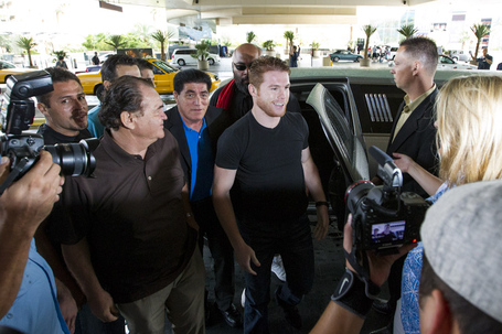 001_canelo_alvarez_arrives_medium