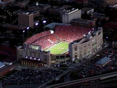 Memorial_stadium_medium