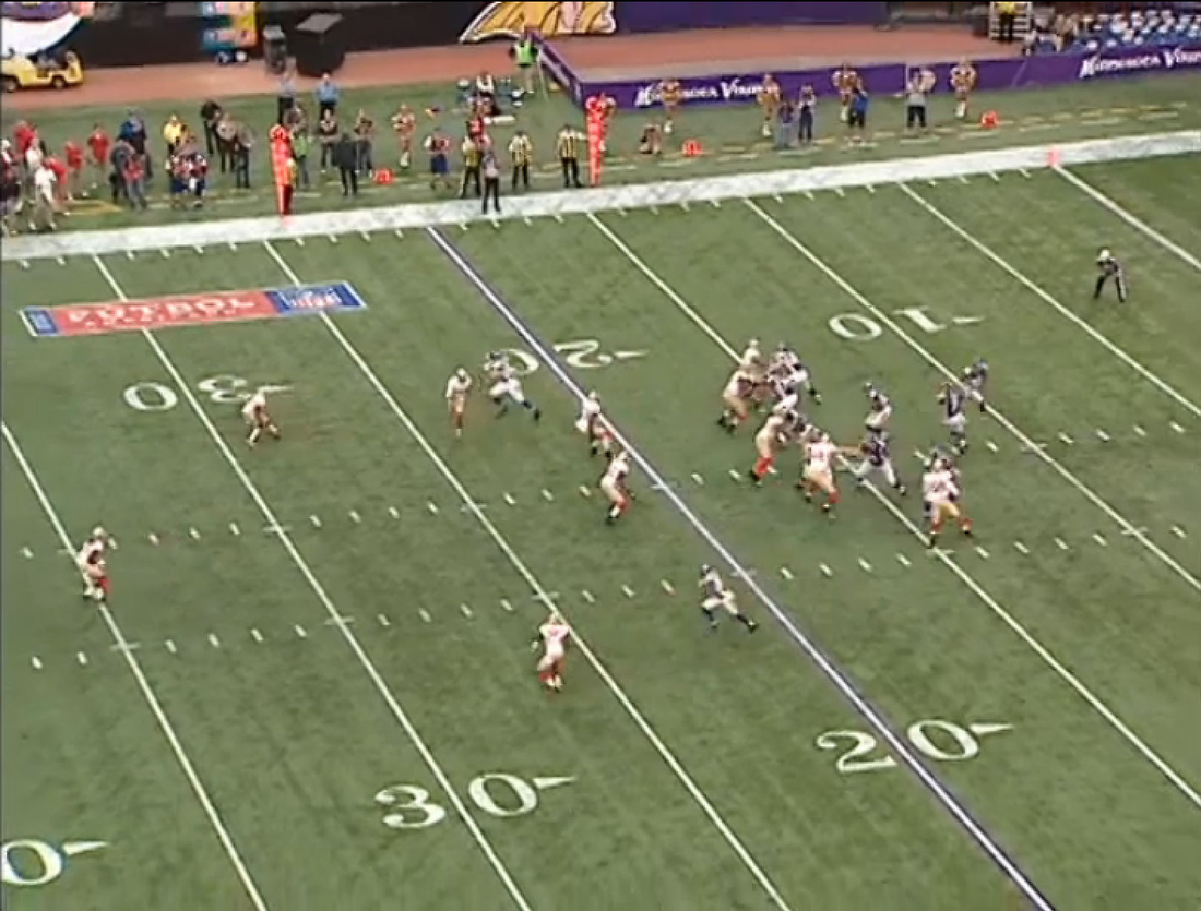 Percy_harvin_swing_pass_-_49ers_v