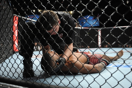 120929-ufc-on-fuel-5-peralta-young-mcneil-004_medium
