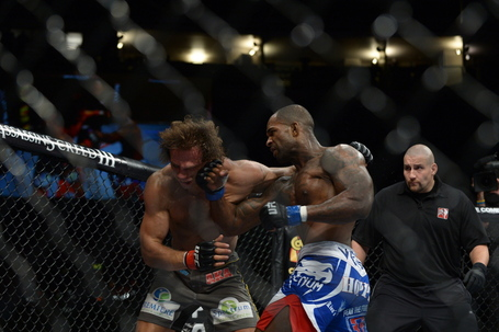 120929-ufc-on-fuel-5-manuwa-kingsbury-mcneil-148_medium