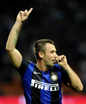 Cassano_goal_celebration_v_fiore_medium