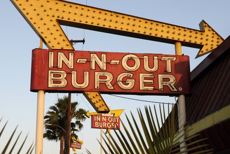 In-and_out_burgers_medium