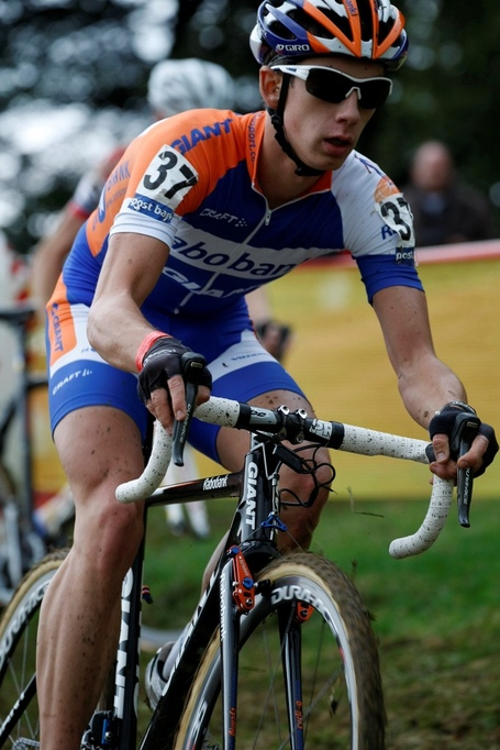 Cross_ronse_2012_1229_medium
