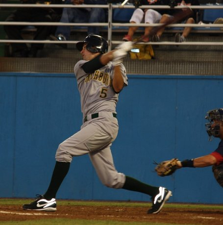 Jordy_mercer_drives_in_another_medium