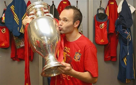 Iniesta_2264679b_medium