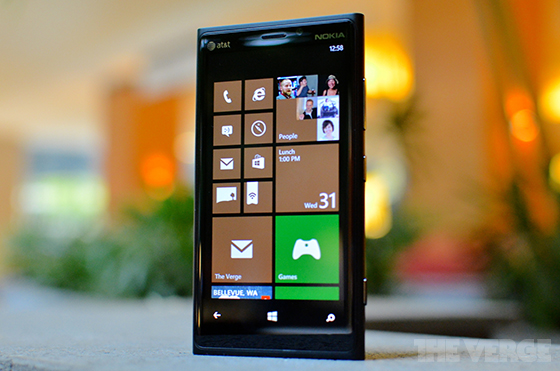 Nokia-lumia-920-theverge-3_560
