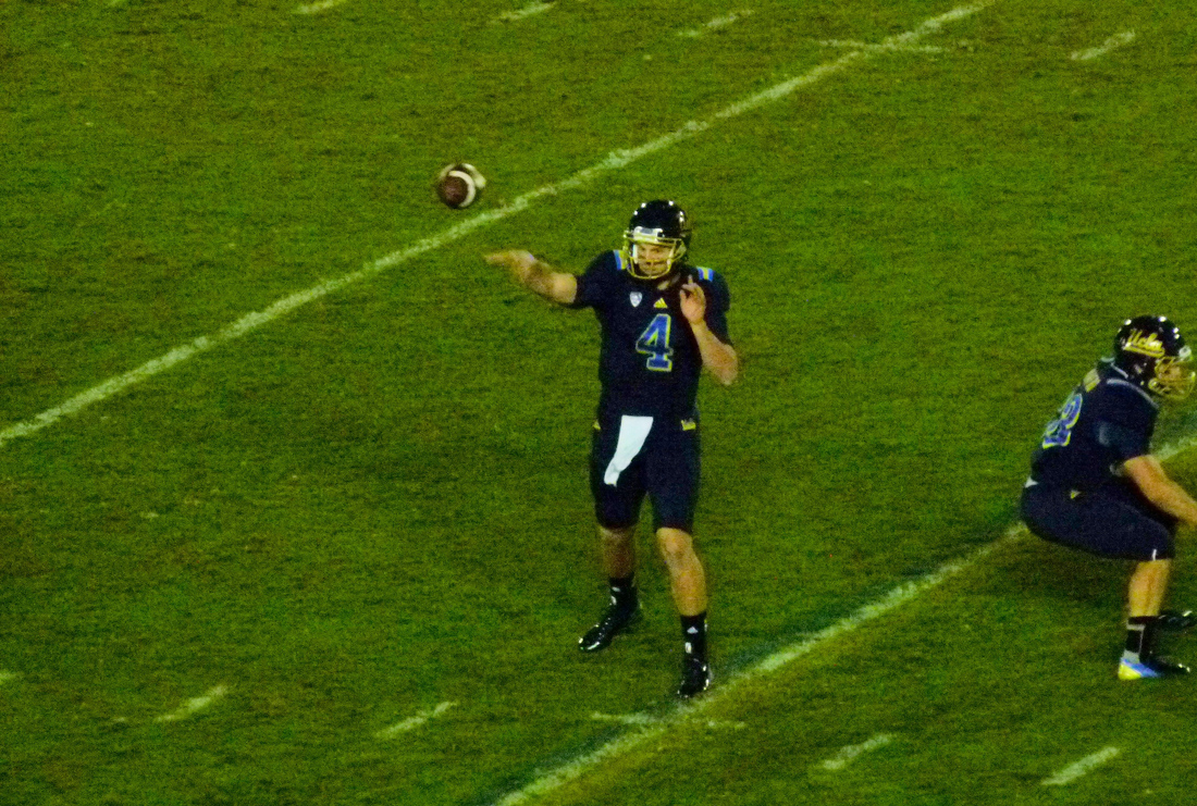 P1220805_13-yard_pass_logan_sweet