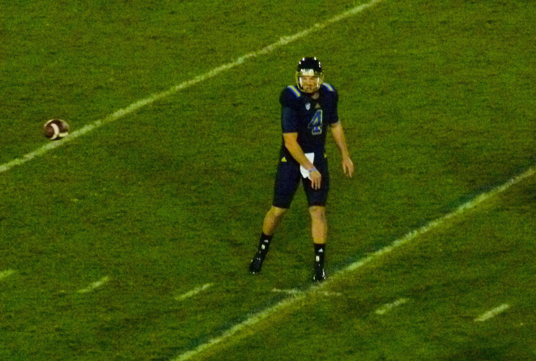 P1220806_13-yard_pass_logan_sweet