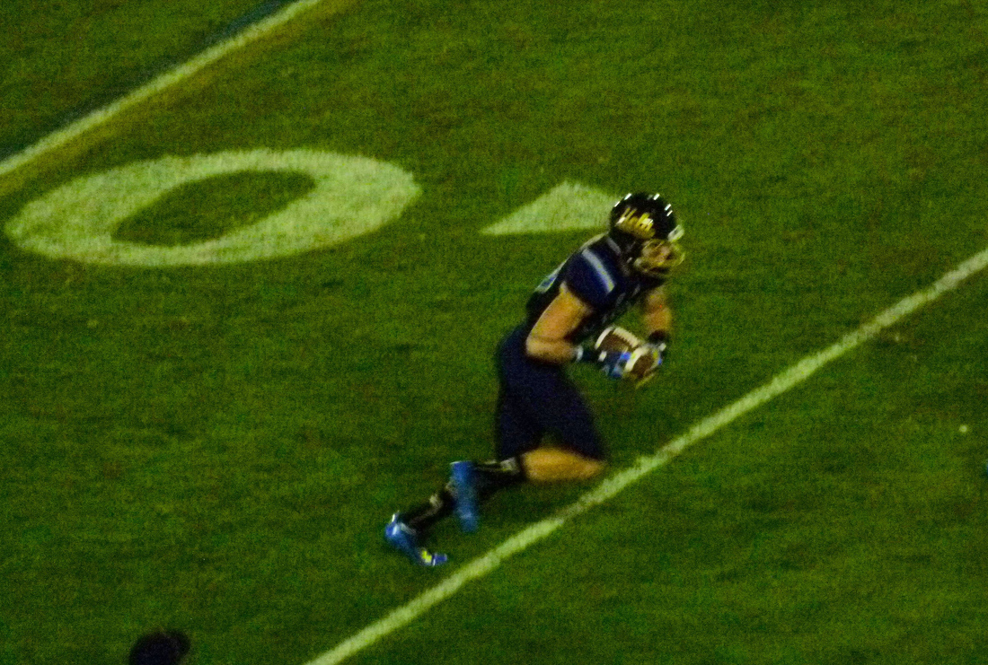 P1220810_13-yard_pass_logan_sweet